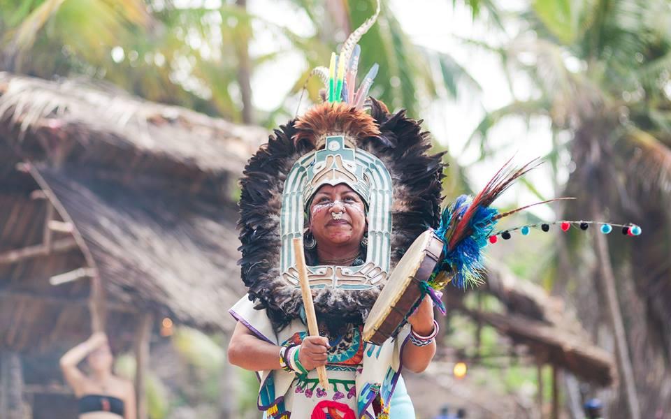 Hluboké lečivé víkendy v krásné přírodě se šamankou Nyx Lopez