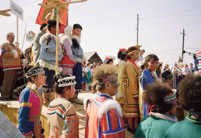 Folklórní festival na Sibiři, kde účinkují vesničané, kteří už nekočují, a folklór je pro ně vlastně hledáním identity., FOTO: archív Pavlíny Brzákové