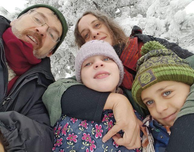 Rodina: s manželem Jolyonem a dětmi Viktorkou a Ivánkem, FOTO: archív Pavlíny Brzákové